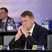 iohannis cere reexaminarea legii privind acordarea imprumutului rambursabil catre republica moldova