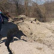 foto sprijin de la prefectura pentru stabilizarea alunecarilor de teren de la iordacheanu