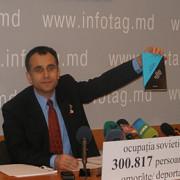 istoricul veaceslav stavila agresat de comunisti in centrul chisinaului