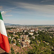 italienii ii trimit pe romani acasa