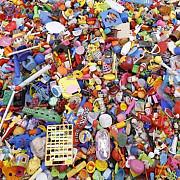 zeci de mii de jucarii contrafacute confiscate in portul constanta