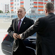 din 2025 adio limba rusa in kazahstan