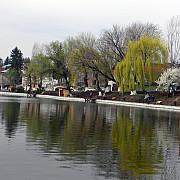 lacul din campina - invaluit in mister si legende
