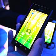 lenovo ataca piata smartphone-urilor cu o investitie de 800 milioane de dolari