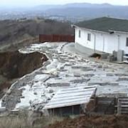 manastirea cornu in pericol de prabusire din cauza unei alunecari de teren