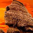 piramida din masivul bucegi este pe deplin activata si reflecta un spectrucamp energetic vibrational asemanator cu cel din interiorul piramidei lui keops-egipt