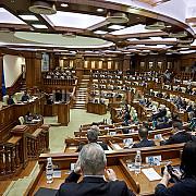 parlamentul republicii moldova cere retragerea trupelor rusesti