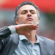 mourinho amendat cu 25000 de lire sterline pentru ca a criticat arbitrajul si presa