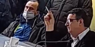 video alexandri nicolae directorul tce ploiesti fara distantare sociala fara masca cu tigara aprinsa intr-o institutie publica