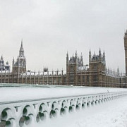 ninsori abundente in marea britanie