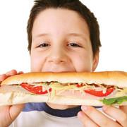 alimentele sarate responsabile de obezitatea copiilor