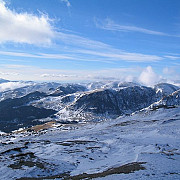 la munte s-au intors iarna