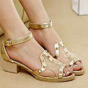 pantofii transparenti - ultimul trend al modei