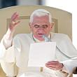 papa benedict a parasit vaticanul