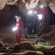 replica unei pesteri cu picturi vechi de 35000 de ani se deschide in europa