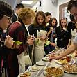 la chisinau a avut loc o competitie de deserturi cum se face placinta cu mere americana