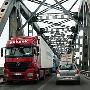 traficul greu a fost restrictionat pe podul prieteniei giurgiu-ruse