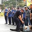 protest la ceremonia de ziua pompierilor
