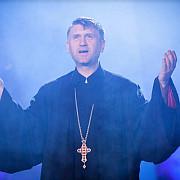 controversatul preot cristian pomohaci se retrage din preotie cu scutire medicala