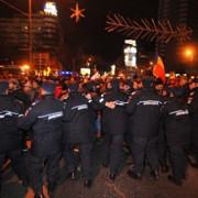 ziua a saptea peste 100 de protestatari dusi la politie si amendati
