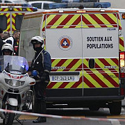 suspectii atacului terorist de la charlie hebdo s-au refugiat intr-o tipografie