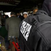 un cartier din ploiesti blocat de o razie a politiei