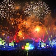 spectacol incendiar in piata constitutiei in noaptea trecerii dintre ani