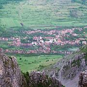 frumoasa poveste a singurului sat din romania premiat de comisia europeana pentru conservarea patrimoniului cultural