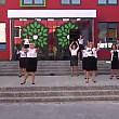 la o scoala din chisinau profesorii au dansat in fata elevilor pe o piesa a lui bruno mars