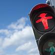 politicienii din berlin vor sa adauge siluete feminine pe semafoarele pietonale