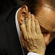 silvio berlusconi atacat cu rosii in fata palatului prezidential din roma