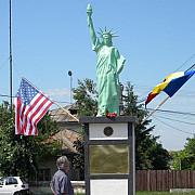 statuia libertatii de la boldesti-scaeni