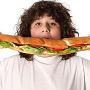40 dintre copiii romani sunt supraponderali