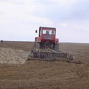 in curand strainii nu vor mai putea cumpara teren agricol prea usor