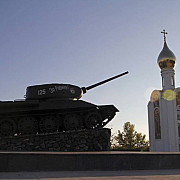 tancurile sovietice la granita romaniei foto