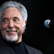 tom jones revine in romania pe 1 noiembrie