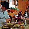 targ de produse traditionale din moldova in curtea madr