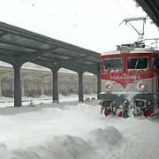 traficul ferofiar afectat de ninsori patru trenuri au intarzieri de aproximativ doua ore
