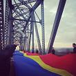 uniti de tricolor steagul romanesc care a unit cele doua maluri ale prutului in ultima zi a anului 2017 video