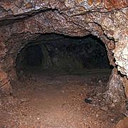 mistere ale istoriei romanilor- tunelurile dacice
