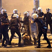 turcia politia a evacuat protestatarii din parcul gezi din istanbul