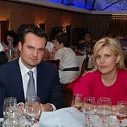 cine este cauza divortului elenei udrea