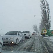 vantul puternic a blocat doua drumuri nationale