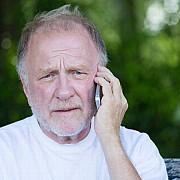 telefonul varstnicului  o reteta gratuita pentru tratarea singuratatii
