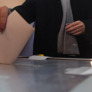 referendum 2012 prezenta la vot ora 2100 - 45