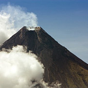 vulcanul filipinez mayon a erupt
