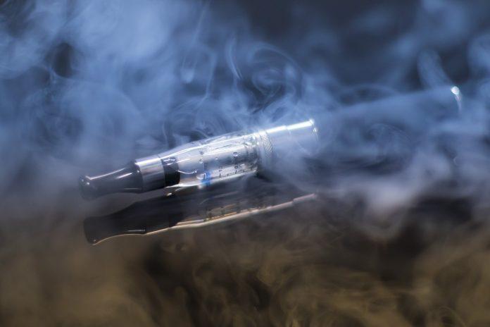 riscurile tigarilor electronice arafat le vrea interzise in spatiile publice