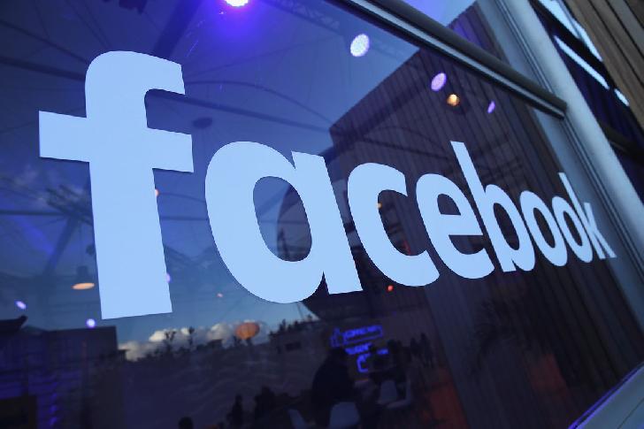 facebook a blocat doua campanii de manipulare