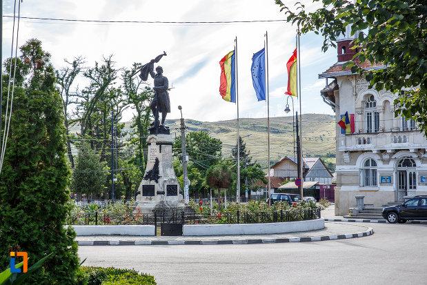 candidat liberal confirmat cu covid-19 in campanie electorala intr-o localitate prahoveana