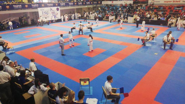 foto 15 medalii pentru karatistii ploiesteni la  campionatele europene de karate shotokan esku